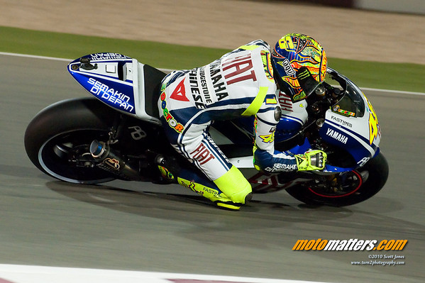 Valentino Rossi at Qatar, brake disks lit up