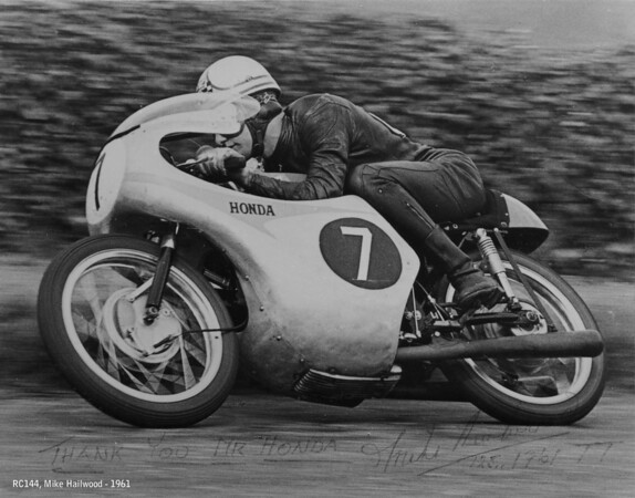 Mike Hailwood, RC144, 1961