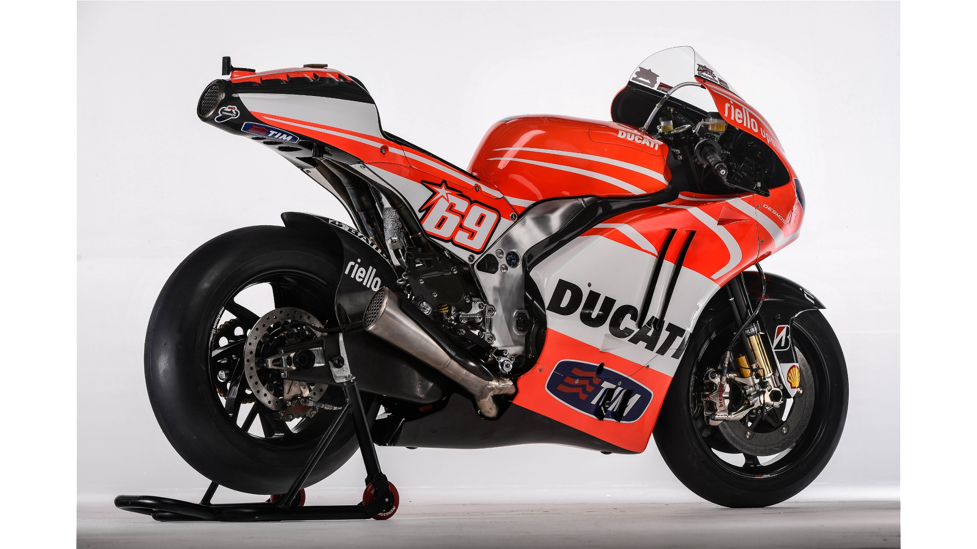 Ducati GP13 - Page 2 Resized_00036954.mediagallery_output_image_%5B1920x1080%5D-O