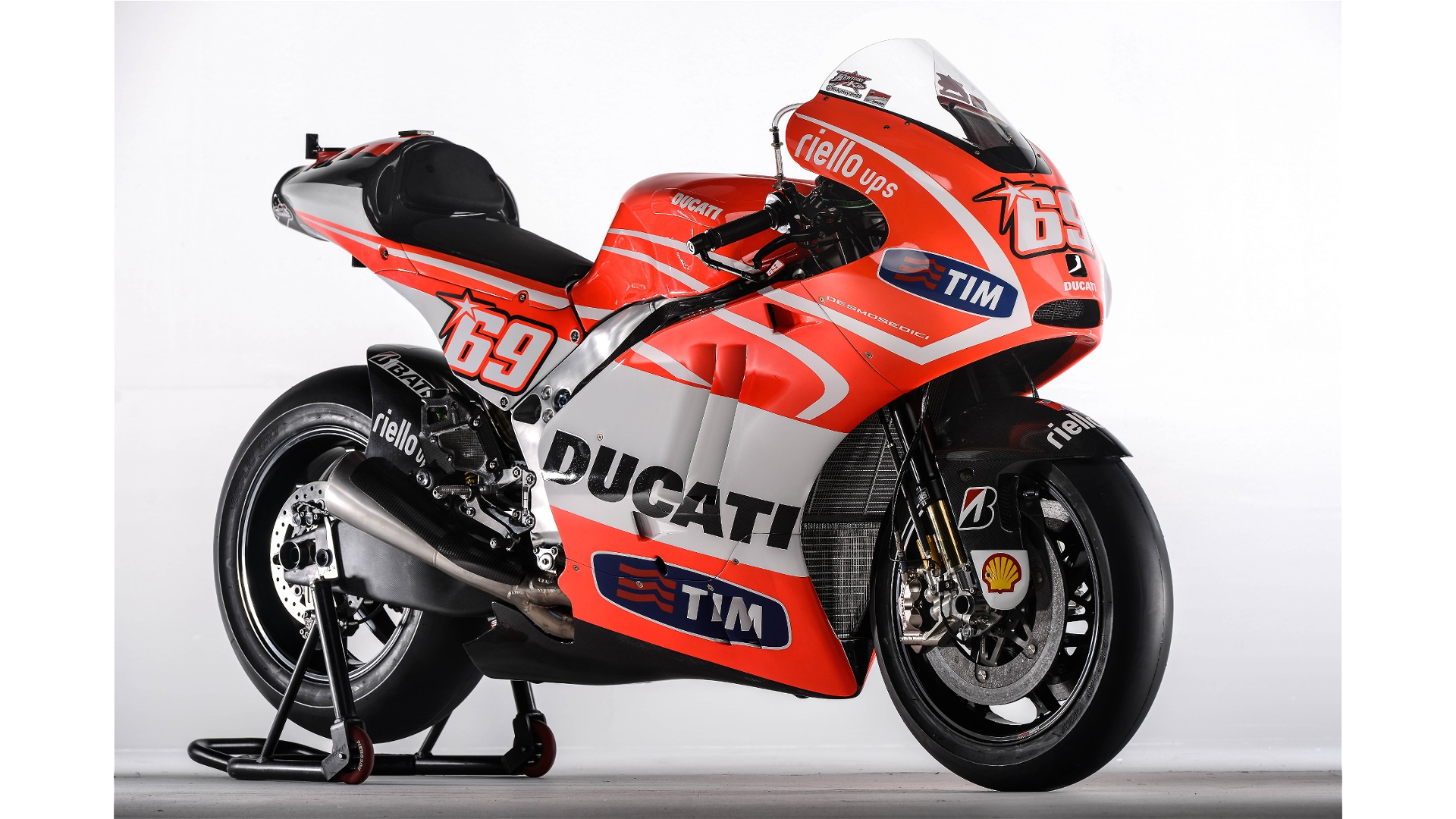 Ducati GP13 - Page 2 Resized_00036952.mediagallery_output_image_%5B1920x1080%5D-O